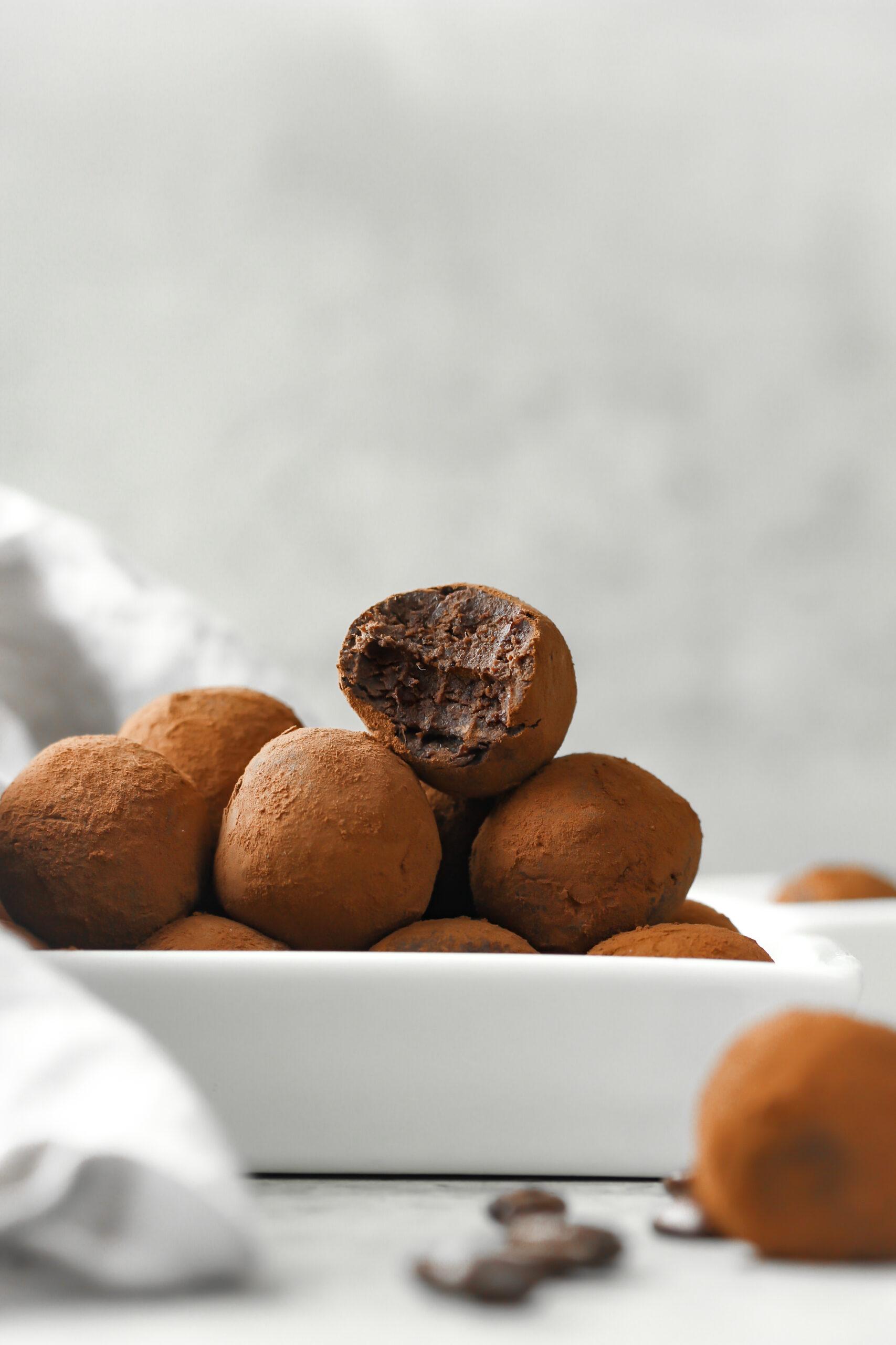 Browniebollar på svarta bönor