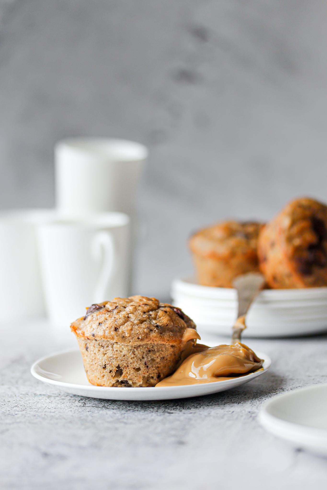 Chocolate chip muffins med jordnötssmör
